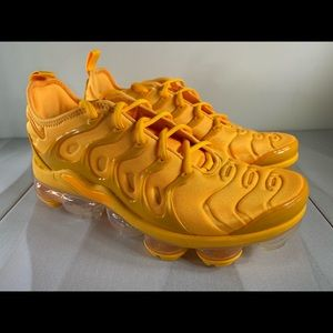 Women's Nike Air Vapormax Plus Laser Orange Sz 7.5